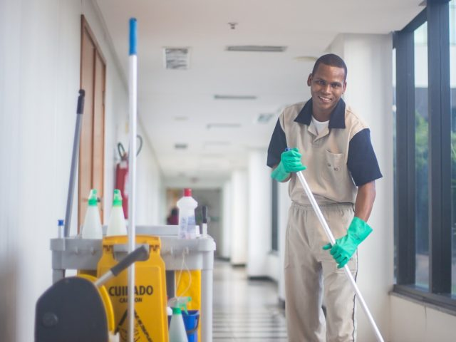 https://www.contractorcover.com.au/wp-content/uploads/2020/02/cleaner-3122363_1920-640x480.jpg